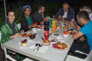 Mensen aan tafel